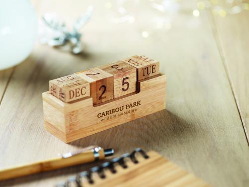 Kalendarz bambusowy drewna