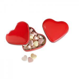 Cukierki w pudełku, serce czerwony